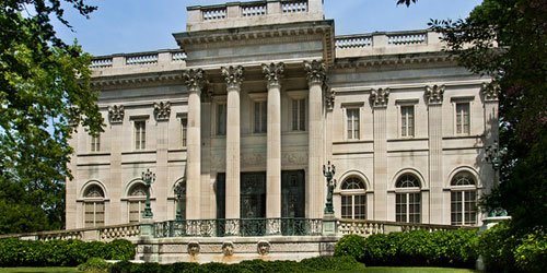 Marble-house-front--credit-Gavin-Ashworth-and-Discover-Newport