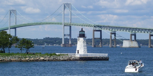 Newport's Pell Bridge & Goat Island Lighthouse