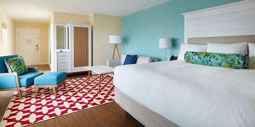 Ocean King Room - Hotel Maria - Westerly, RI