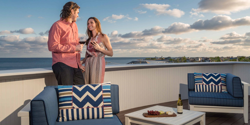 Ocean View Patio - The Break Hotel - Narragansett, RI